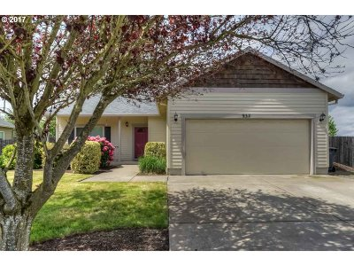 Aumsville Single Family Home Sold: 937 Highberger Loop