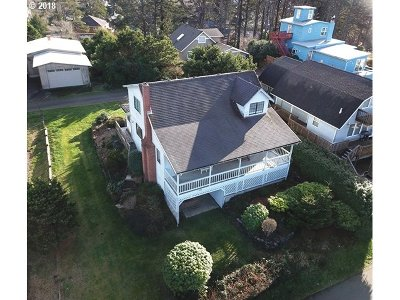 Lincoln City Single Family Home For Sale: 1746 NW 36th St
