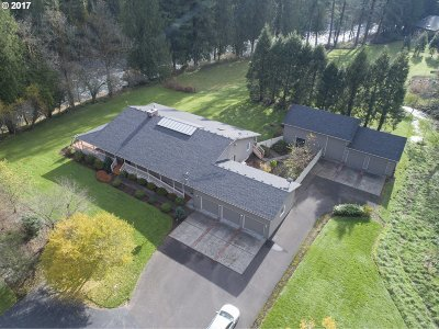 Washougal Single Family Home For Sale: 1709 SE Washougal River Rd