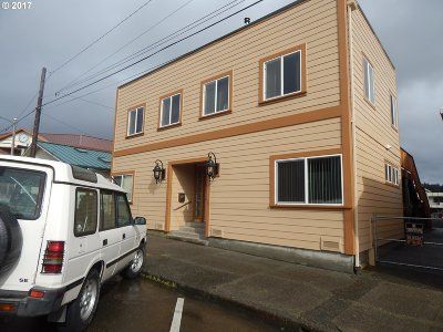 Coquille OR Single Family Home For Sale: $350,000