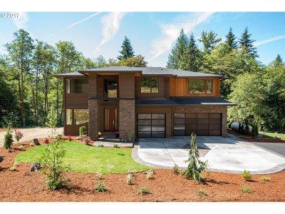 Washington County, Clackamas County, Multnomah County, Columbia County Single Family Home For Sale: 8221 SE Groce Rd