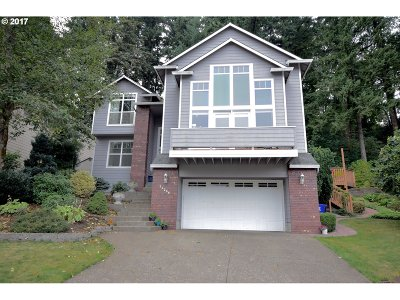 Milwaukie Single Family Home For Sale: 16299 SE Merganser Ct