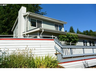 Gold Beach Single Family Home For Sale: 95533 N Bank Rogue