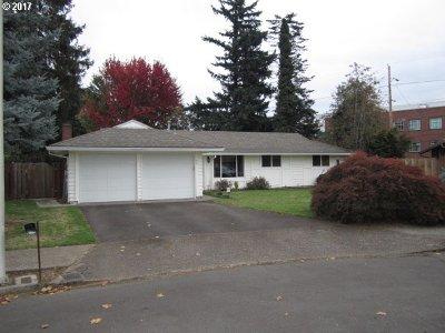 Gresham Single Family Home For Sale: 418 SE 241st Ct