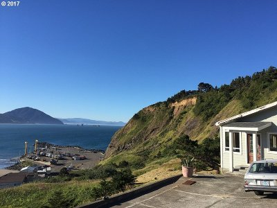 Port Orford Single Family Home For Sale: 504 Coast Guard Hill Rd