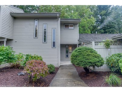 Wilsonville Single Family Home For Sale: 8448 SW Lafayette Way