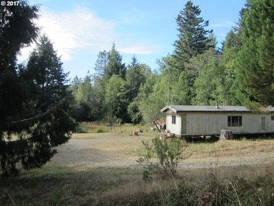 Gold Beach OR Single Family Home For Sale: $142,000