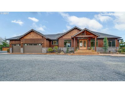 Scappoose Single Family Home For Sale: 52699 Skyline Ter