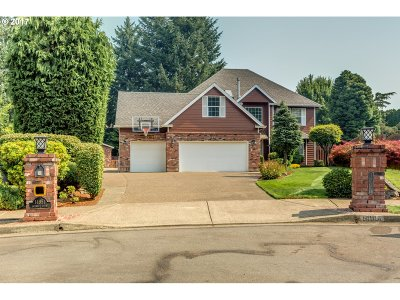 Oregon City Single Family Home For Sale: 14951 Quinalt Ct