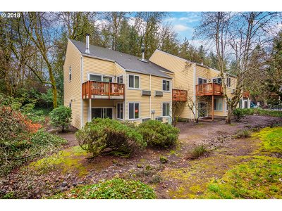 Lake Oswego Condo/Townhouse For Sale: 4647 Lakeview Blvd #D-1
