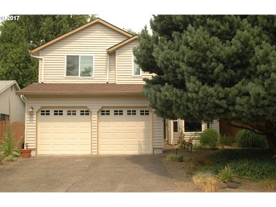 Tigard Single Family Home For Sale: 10375 SW Riverwood Ln