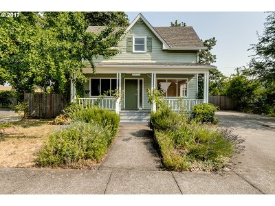 Springfield Single Family Home For Sale: 408 D St