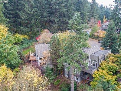 West Linn Single Family Home For Sale: 2639 Gloria Dr