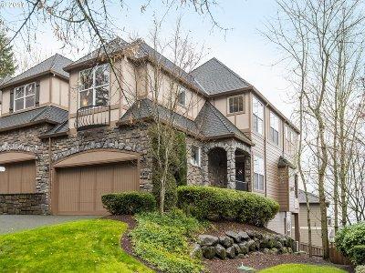 Lake Oswego Single Family Home For Sale: 4654 Auburn Ln