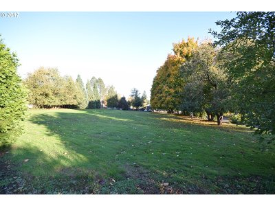Milwaukie Residential Lots & Land For Sale: 4215 SE King Rd
