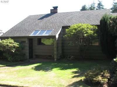 Coos Bay Single Family Home For Sale: 1385 Juniper Ave