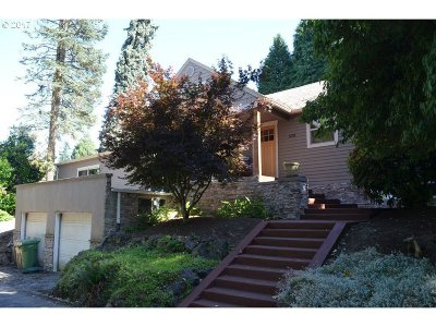 Lake Oswego Single Family Home For Sale: 1038 Oak St