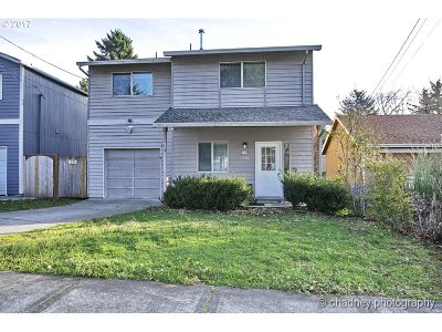 Portland Single Family Home For Sale: 3930 SE 103rd Ave