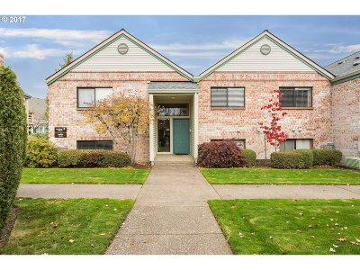 Tigard Condo/Townhouse For Sale: 16248 SW 130th Ter #20