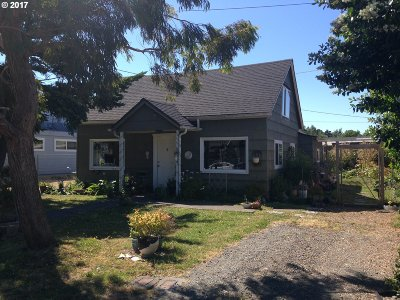 Port Orford Single Family Home For Sale: 333 Ninth St