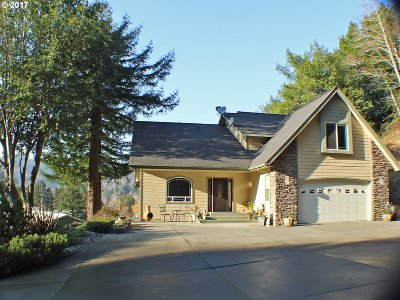 Brookings Single Family Home For Sale: 98451 N Bank Chetco Rd