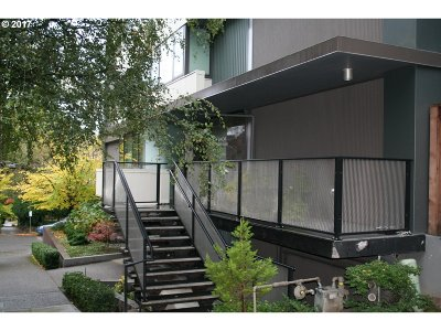 Condo/Townhouse For Sale: 2020 SW Main St #703