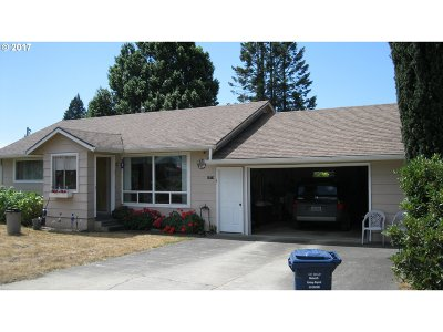 Coquille OR Single Family Home For Sale: $156,000