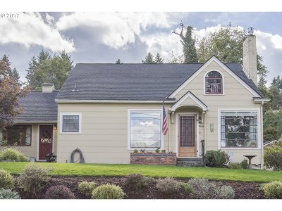 West Linn Single Family Home For Sale: 5626 River St