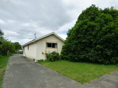 Coquille OR Single Family Home For Sale: $118,000