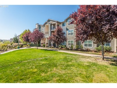 Hillsboro Condo/Townhouse For Sale: 18532 NW Holly St #302