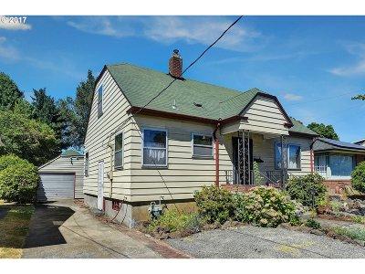 Portland Single Family Home For Sale: 5035 SE Steele St