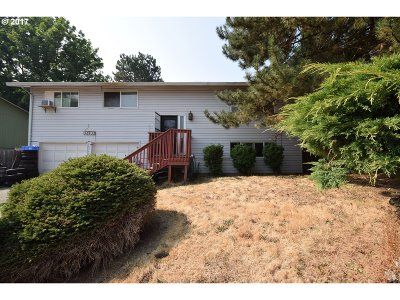 Oregon City Single Family Home For Sale: 13193 Wassail Ln