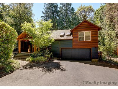 Portland Single Family Home For Sale: 2595 SW 87th Ave