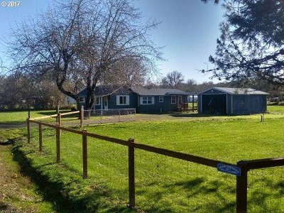 Sutherlin Single Family Home For Sale: 2613 Nonpareil Rd