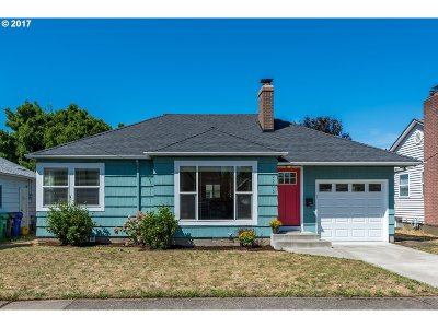 Portland Single Family Home For Sale: 3205 SE 65th Ave