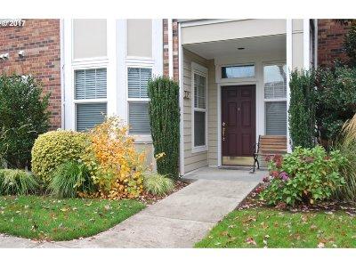 Hillsboro, Cornelius, Forest Grove Condo/Townhouse For Sale: 1231 NE Horizon Loop #201