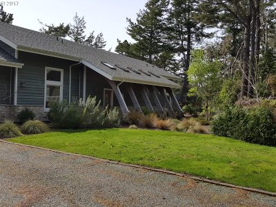 Port Orford Single Family Home For Sale: 42380 Garrison Lake Rd