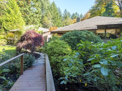 Portland Single Family Home For Sale: 266 NW Pittock Ave