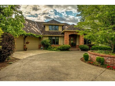 Tigard Single Family Home For Sale: 13999 SW Hillshire Dr