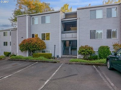 Lake Oswego Condo/Townhouse For Sale: 47 Eagle Crest Dr #8