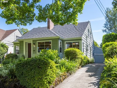 Portland Single Family Home For Sale: 7922 SE 30th Ave