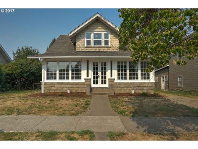 Monmouth Single Family Home For Sale: 250 W Clay St