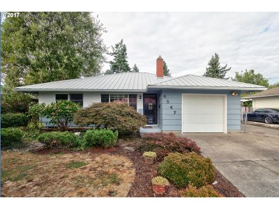 Milwaukie OR Single Family Home For Sale: $334,900