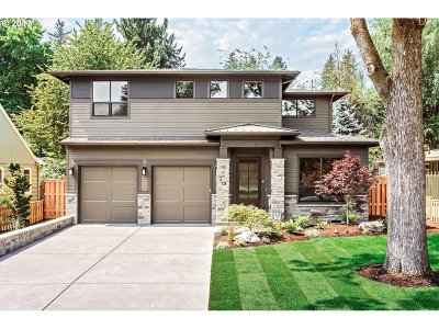 Lake Oswego Single Family Home For Sale: 230 3rd St