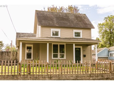 Cottage Grove Single Family Home For Sale: 405 E Madison St
