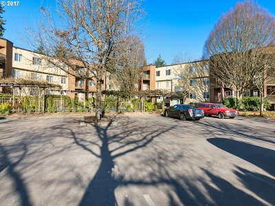 Tualatin OR Condo/Townhouse For Sale: $212,000