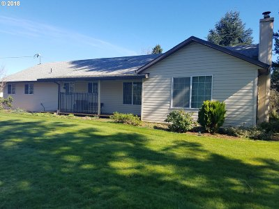 Estacada Single Family Home For Sale: 32590 SE Divers Rd