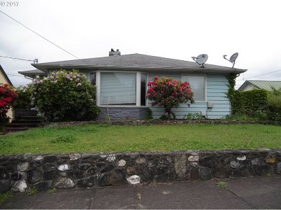 Coquille OR Single Family Home For Sale: $193,000