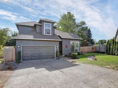 Clackamas Single Family Home For Sale: 12049 SE Regal Ct