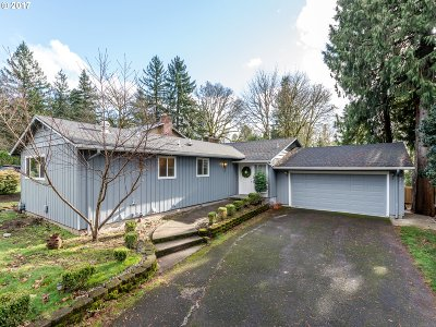 Lake Oswego Single Family Home For Sale: 3290 Wembley Park Rd